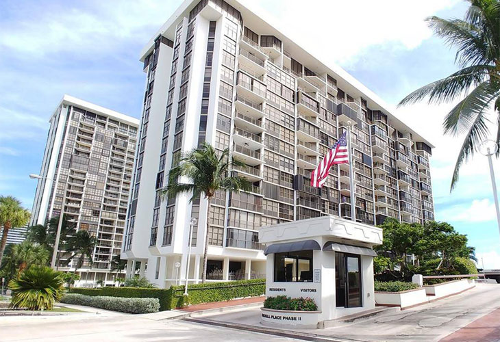 Brickell Place 2   Picture 1