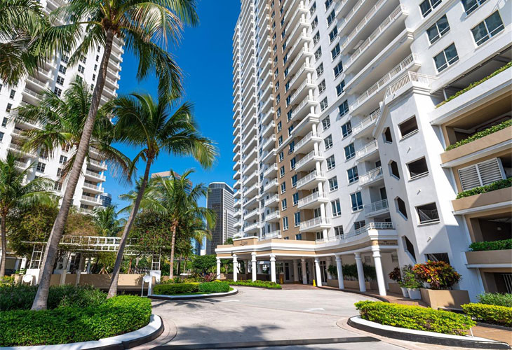 Courts Brickell Key   Picture 3