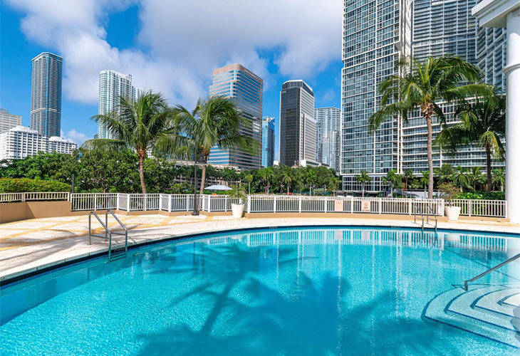 Courts Brickell Key   Picture 4