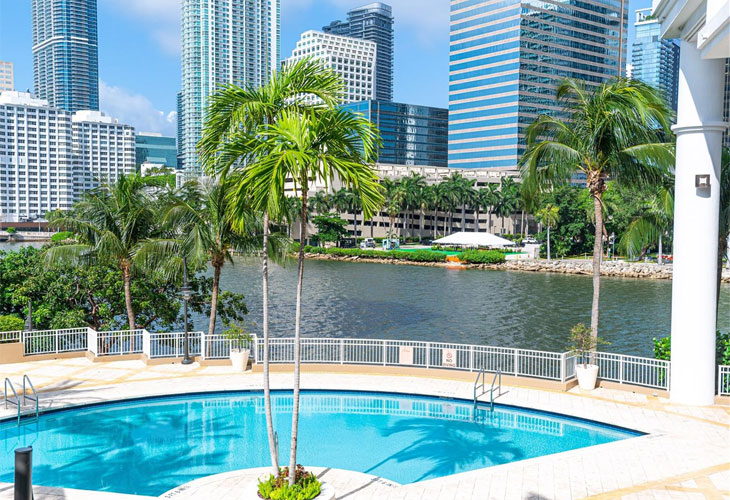 Courts Brickell Key   Picture 5